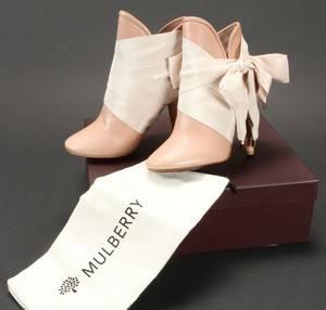 2831d0483df Par støvler med sløjfer, model Floppy bow bootie, str. 36 2