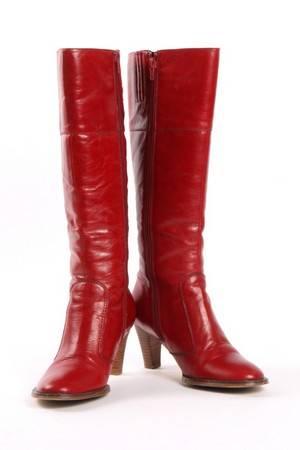 5229ea06b161 Slutpris för Sofie Schnoor. Lange støvler i