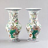 Vaser med tuppdekor