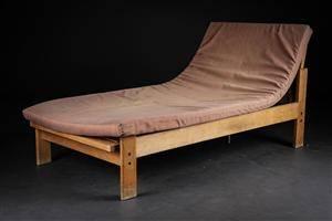 Dansk møbelproducent. Daybed af massiv egetræ