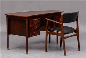 Dansk Møbelproducent Fritstående skrivebord samt stol, nøddetræ og teak 2
