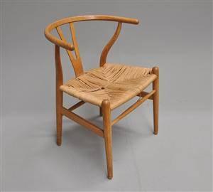 slutpris f r hans j wegner y stol af. Black Bedroom Furniture Sets. Home Design Ideas