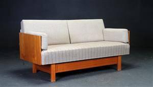 Dansk møbelproducent. Sovesofa, teaktræ