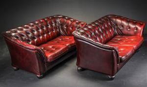Wiels Møbler. Par 2-pers. sofaer betrukkede med knapsyet læder 2