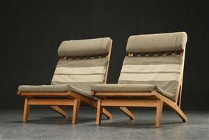 Hans J. Wegner. Et par lænestole af egetræ, model GE-375 2