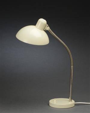 Christian Dell. Kaiser bordlampe, model 6561
