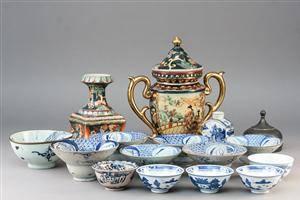 Samling kinesisk porcelæn m.m. 17