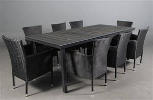 Daneline Havemøbler. Havebord samt otte armstole. 9