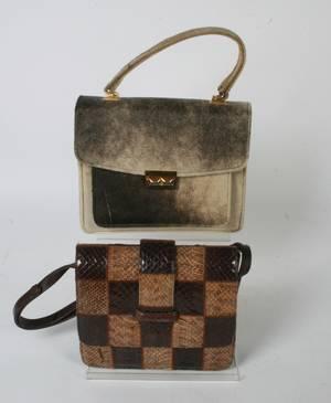 2 Vintage tasker i sælpels og slangeskind. 2