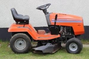 Strålande Slutpris för Åkbar gräsklippare Husqvarna FC-43