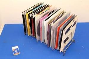 Skivställ fullt med EP skivor