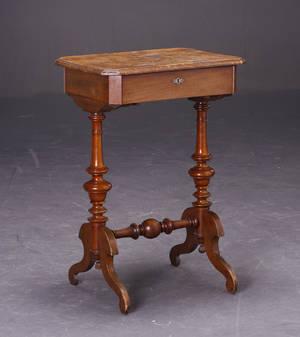 Sybord med klap - Nøddetræmahogni. ca. år. 1900.