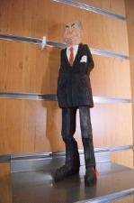 Snidad träfigur, Tage Erlander  sign. NEN  H23,5
