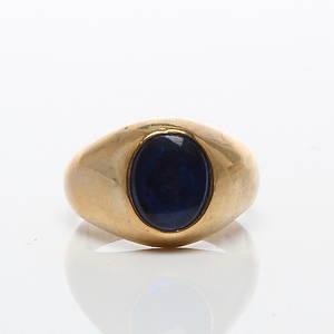RING, 9k guld med blå sten, 1900-tal.