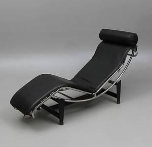 LIGGFÅTÖLJ. Efter Le Corbusier. LC4. 1900-talets senare del.