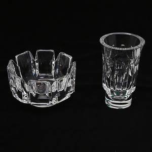 LARS HELLSTENOLLE ALBERIUS. Kristallskål och kristallvas.