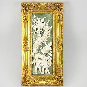 TAVLA, änglar i relief, träkonstmassa, förgylld ram, samtida.