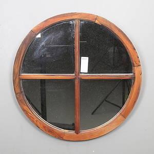 SPEGEL, furu, sannolikt omarbetat äldre fönster. 1900-tal.