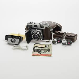 KAMERA MED TILLBEHÖR, Kodak Rettina III C.