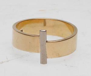 RING, 18k guld, vikt ca 10,5 gr.