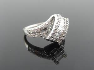 GAL CERIFIED, JACK. J COLLECTION DESIGNER DIAMOND RING 1,20cts 18k gold.