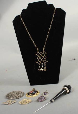 Vintage smycken. Silver samt brons. Silvervikt ca 40g. 8