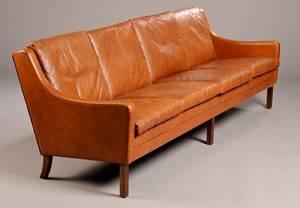 Dansk møbelproducent. Fire-pers sofa