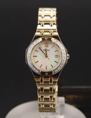 Seiko Classic Lady damearmbåndsur med diamanter
