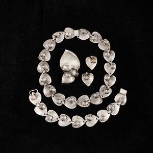 Halsband,  armband brosch örhängen