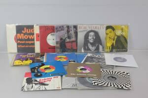 VINYLSKIVOR, 23 st, singlar, mest Reggae, bl.a. Max Romeo, Bob Marley, Black Uhuru