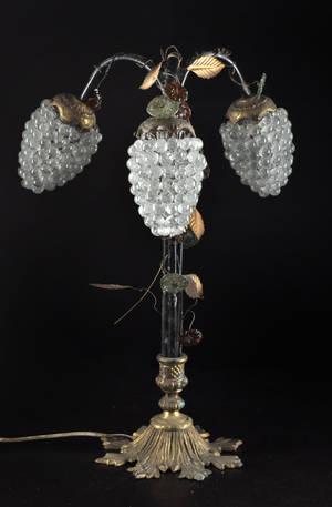 3-armad bordslampa