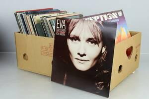 LÅDA med vinylskivor, bl.a. Lionel Richie, Lill Lindfors
