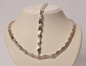 Klassisk smykkesæt af sterling sølv
