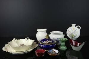 PARTI med vaser, krukor, ljusstake, skålar, nålfat, servisdelar, bl.a. Rörstrand, Gefle