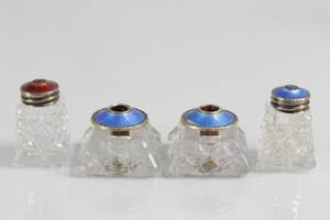 LJUSSTAKAR, ett par, samt ströare, ett par, glas och silver med dekor i emalj, Norge