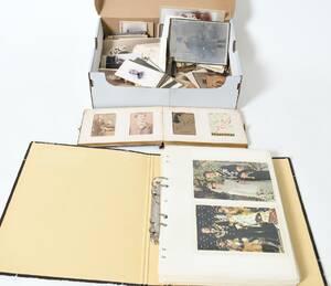 Ateljéfoton samt kungliga vykort