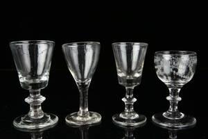 GLAS på fot, 4 st, 1800-talets förra hälft