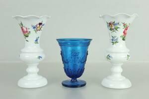 VASER, ett par, opalglas, samt VAS, Edvin Ollers