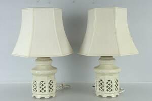 BORDSLAMPOR, ett par, keramik