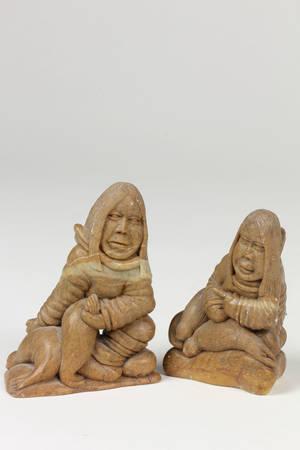 Par fedtstensfigurer fra Grønland. Antut 87.  2