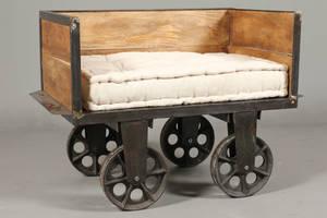 Rustikt Sofa på hjul mantik look
