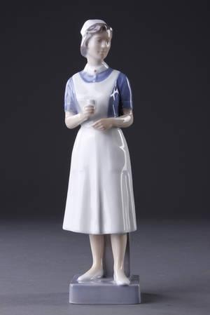 Figur, porcelæn. Sygeplejerske. Kgl.P.