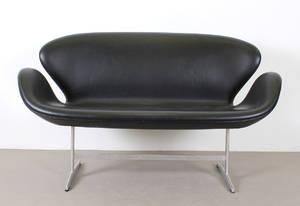 Arne Jacobsen, soffa Svanen modell 3321